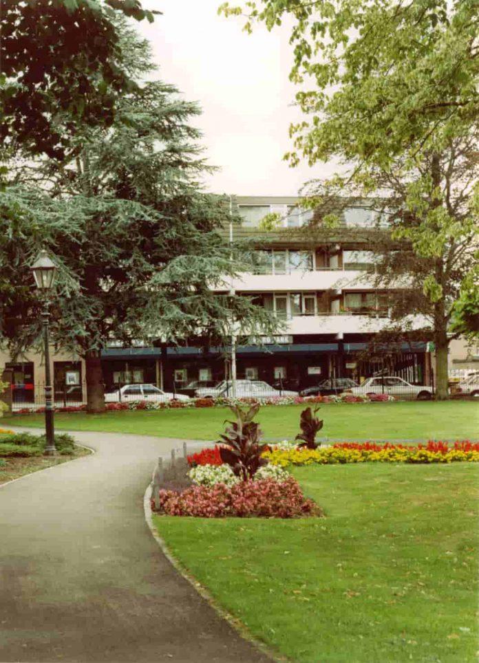 Koetshuis garden Best